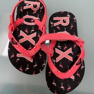Roxy sandals for girls size 6